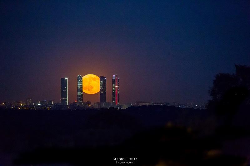 spm_salida_luna_cuatro_torres